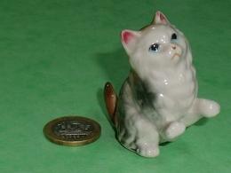 Grosse Pièce Porcelaine  : Chat   5,5 X 5 Cm TB8 - Animals