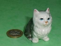 Grosse Pièce Porcelaine  : Chat   5 X 4,5 Cm TB8 - Animals