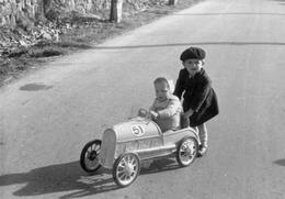 Automobile - Voiture De Course .....à Pédale - Année 50 - Cars