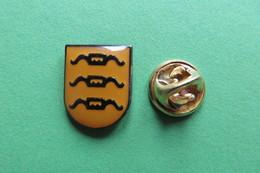 Pin's, Ville, Blason, HERRLIBERG, Suisse, Wappen - Cities