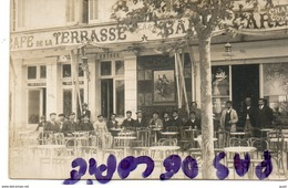 ALAIS - ALES - CAFE DE LA TERRASSE ET BAR DE LA GARE  - SUPERBE CARTE PHOTO - Alès