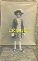Dépt. 84, Carte Photo D'un Jeune Homme Déguisé En Gentilhomme, Phot. Roffé à Apt - Apt