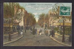 CPA 84 - AVIGNON - Porte De La République - Très Jolie Animation Porte De La Ville Terrasse Café Publicités - Avignon