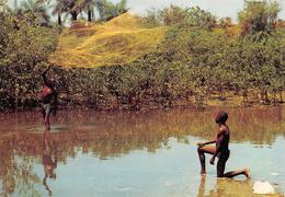 SIERRA LEONE - Pêche Au Filet - Fisherman Casting His Fishing Net - Sierra Leone