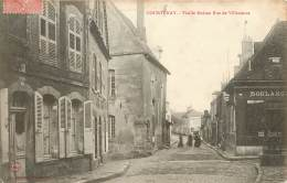 Courtenay Vieille Maison Rue De Villeneuve La Boulangerie - Courtenay