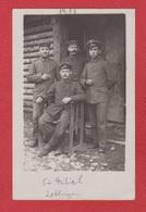 St Mihiel  -  Carte Photo  -  Soldats Allemands Devant Un Baraquement  --15/3/1918 - Saint Mihiel