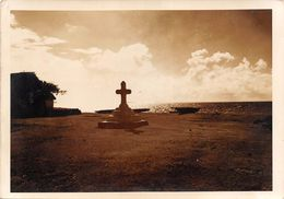 WALLIS-et-FUTUNA  -  Cliché De D'une Croix élevée En Souvenir De L'arrivée Du Père BATAILLON  - Voir Description - Wallis And Futuna