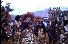 Tahiti - Folklore - Au Port De Tahiti En 1971 - Diapositive Couleur D'avril 1971 - Polynésie Française