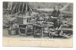 CHINAMAN SELLING FRUITS UNDER THE TREE , HONG KONG - RETRO 2  FRANCOBOLLI GIAPPONE 1927 VIAGG. FP - Cina