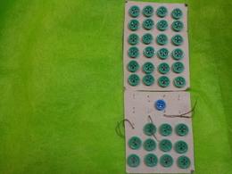 Planche De  Boutons Ceramique Vert Et 1 Bleu - Buttons