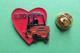 Pin's, R70, STILL, Coeur - Transportation