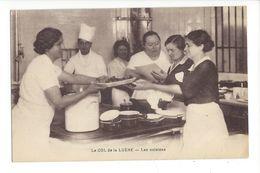 19624 - Le Col De La Luère Les Cuisines 6 Femmes - France