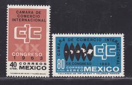 MEXIQUE N°  692, AERIENS N° 236 ** MNH Neufs Sans Charnière, TB (D5961) Congrés Des Chambres De Commerce - Mexico