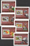 A526 2009 DE GUINEE FAUNA BIRDS PARROTS LES PERROQUETS 6 LUX BL MNH - Perroquets & Tropicaux