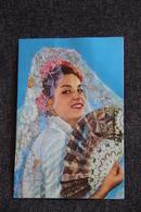 Femme Espagnole, Tenue Avec Broderie - Embroidered