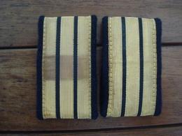 Paire De Galons Capitaine  Indo -  Indochine - AFN - Algérie. - Militaria