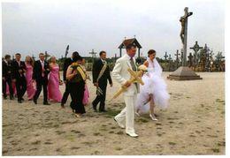 Lituanie : Siauliai La Colline Des Croix Pélerinage De Jeunes Mariés 2008 Par Kervinio - Lithuania