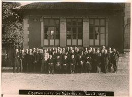 (Doubs)  Photo Grandvillars Les Medailles Du Travail 1952  Photo Faivre Grandvillars (17X12cm)  (Bon Etat) - Grandvillars