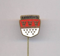OLD AUTO CAR FORD TAUNUS PIN BADGE - Ford