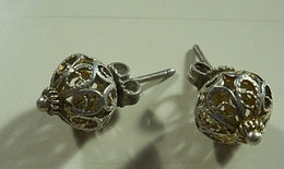 Silver Earrings * Age To Identify - Boucles D'oreilles