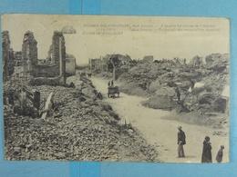 Ruines De Nieuport Rue Longue A Gauche, Les Ruines De L'Hôpital - Nieuwpoort