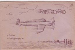 """Enveloppe Illustrée """"Record"""" 118 X 182 Mm Contenant 4 Feuilles & 4 Enveloppes, """"avion à Hélice En Vol, Village Au Lo - Supplies And Equipment"""