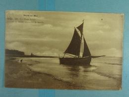 Heyst-sur-Mer La Plage Belge Barque De Pêche Attendant La Marée - Heist