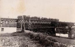 TIGHINA / BENDER : LOCOMOTIVE Pe PODUL La NISTRU / TRAIN ENGINES TESTING BRIDGE - CARTE VRAIE PHOTO ~ 1937 - RRR (ab543) - Moldavie
