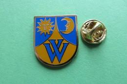Pin's, Ville, Blason,  WOHLEN B.BERN, Wappen, Suisse - Cities