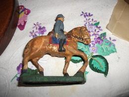 Figurine Ancienne DURO Soldat Allemand En Terre - Jouets Anciens