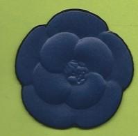 CHANEL  * CAMELIA * BLUE * - Modernes (à Partir De 1961)