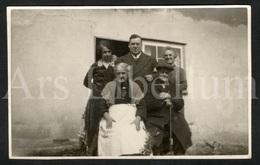 Photo Postcard / Foto / Photograph / Family / Famille / England / Photographer Jerome Ltd. / Unused - Photographie