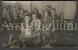 Photo Postcard / Foto / Photograph / Famille / Family / Birthday Cake (?) / Unused - Photographie