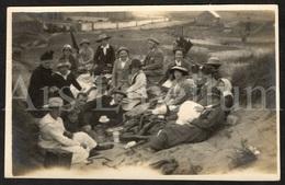 Photo Postcard / Foto / Photograph / Family / Famille / Picnique / Seaside (?) / England / Unused - Photographie