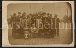 Photo Postcard / Foto / Photograph / A Group / Un Groupe / Men / Hommes / Femmes / Women / 1920s / Unused - Photographie
