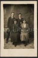 Photo Postcard / Foto / Photograph / Couples / Photographer Seaman's Studio / Birmingham / England / Unused - Photographie