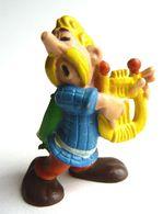 FIGURINE ASTERIX ASSURANCETOURIX BULLY 1974 TBE (2) - Asterix & Obelix