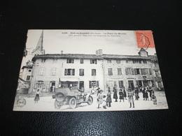 Carte Postale Haute Loire Bas En Basset Place Du Marché Automobile Animée Enfants - Frankreich