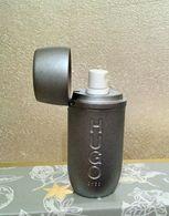 Miniature Vaporisateur De Sac HUGO BOSS En Métal Avec Tubes  échantillons - Parfums
