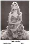 ANN-MARGRET - Film Star Pin Up PHOTO POSTCARD - 19-372 Swiftsure Postcard - Unclassified