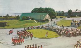 Québec Canada - Military Royal 22nd Regiment At La Citadelle - Changing Guards - Unused - 2 Scans - Québec - La Citadelle