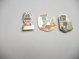 Belle Série De 3 Pin's , Jeux , Jukebox , Jeutel - Games