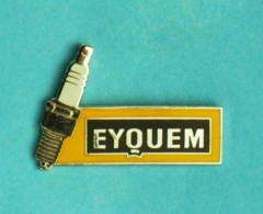 1 PIN'S //   ** BOUGIE D'ALLUMAGE ** EYQUEM ** - Badges
