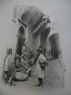PHOTO ALGERIE Vers 1905 ALGER Yaouleds Jeunes Cireurs De Chaussures - Gervais Courtellemont Et Cie @ 32,2 Cm X 24,5 Cm - Africa