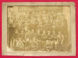Photographie Ancienne Sur Carton - Cliché D'une Équipe Ouvrière - Professions