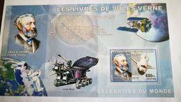 """Bloc"""" Les Livres De Jules Verne """" + Espace+ Columbia - Space"""
