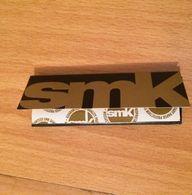 """PAPIERS A CIGARETTES """" SMK"""" - Cigarettes - Accessoires"""