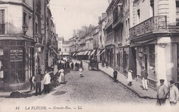 Carte 1920 LA FLECHE / GRANDE RUE (magasins) - La Fleche