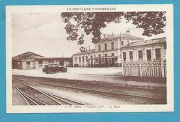 CPSM A.W 8052 -  Chemin De Fer La Gare De GUINGAMP 22 - Guingamp