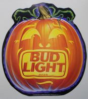 - Publicité. BUD LIGHT. BUDWEISER - Halloween - Citrouille - Bière - - Alcohols